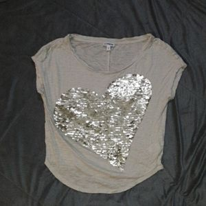 Express womens XS oatmeal colored top w sequin hea
